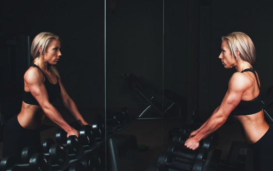 Beautiful hands right away – exercises for the triceps at home.